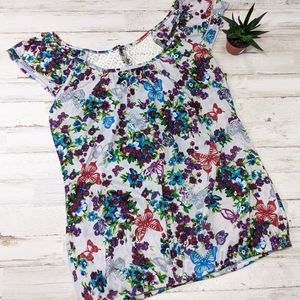 Beautiful Floral Lace Back Top